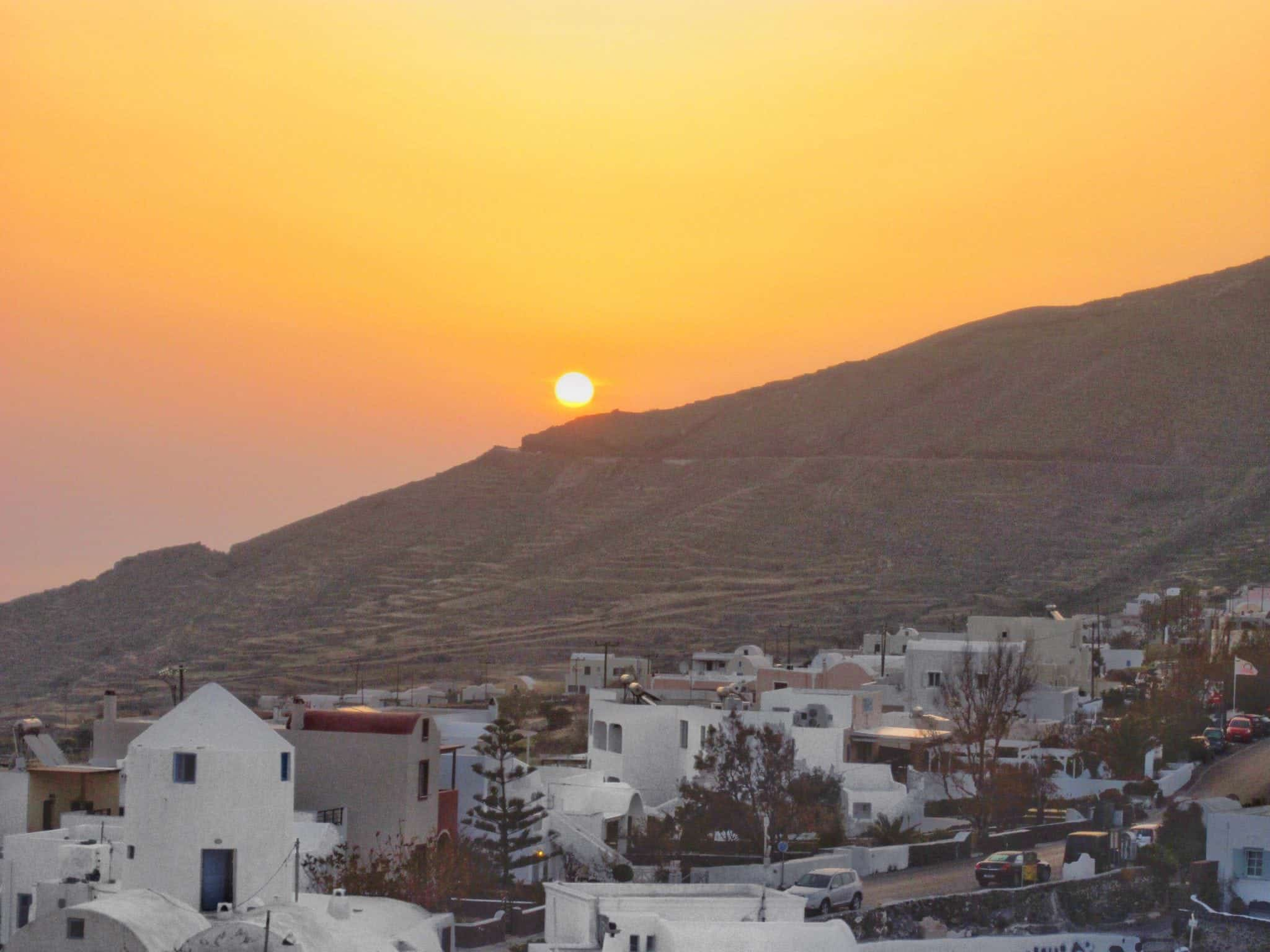 sunrise oia airbnbs in santorini greece