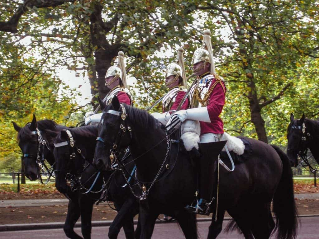 5 Days in London Itinerary Changing of the Guards