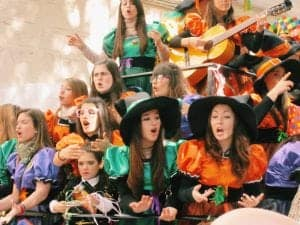 cadiz carnival coros hotel room