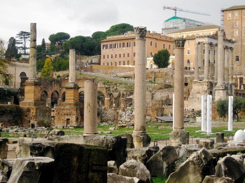"Roman Forum in ""Best Hostels in Europe for Solo Travelers & Backpackers"""