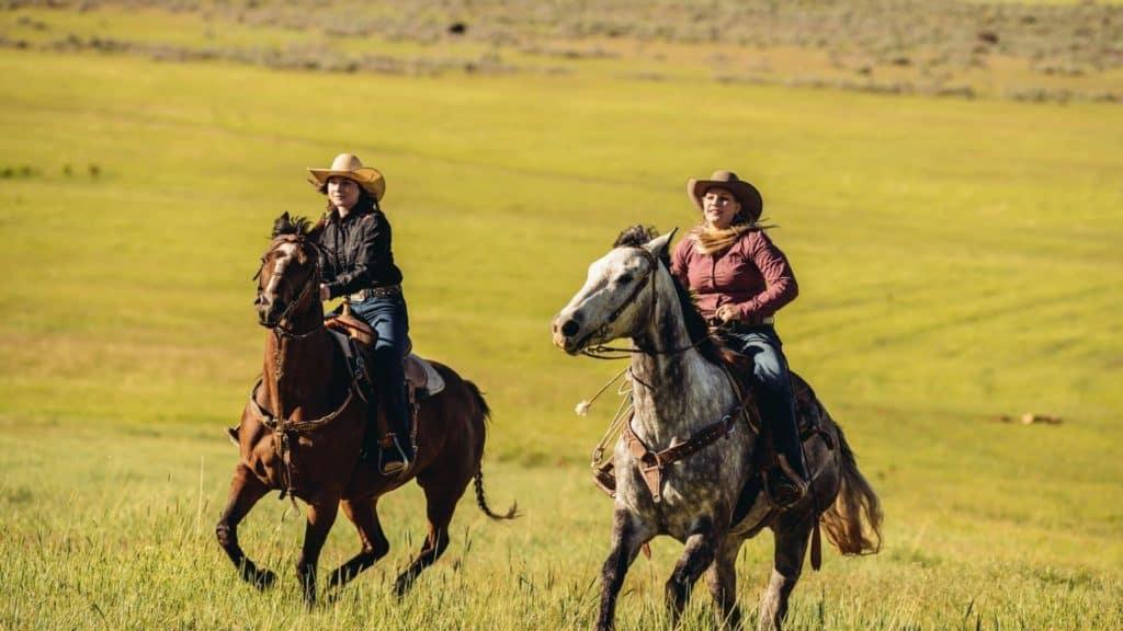girls on horses