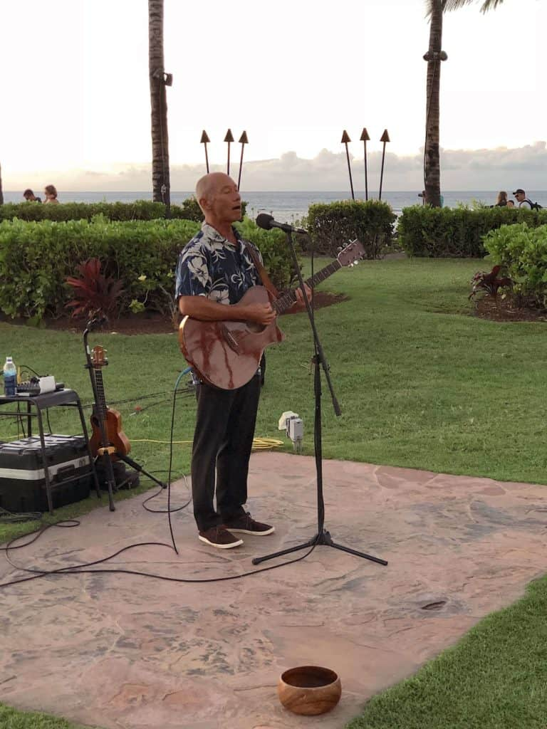 live music at browns beach house restaurant in hawaii