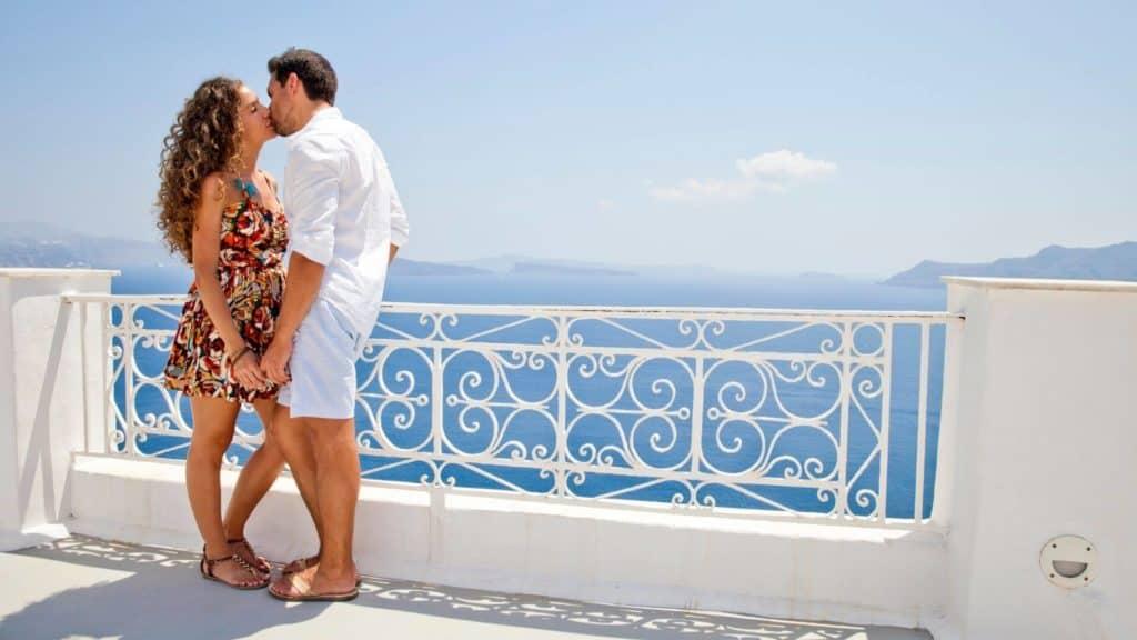 honeymoon in greece santorini